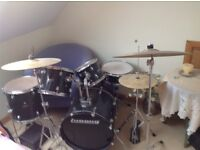 Ludwig drum kit. 5 drums and 3 cymbals all in good working order. An ideal Christmas gift.