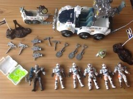 Space Quest Assortment Of Vehicles And Characters
