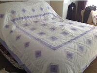 Double white/lilac bed throwover