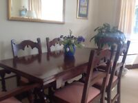 MINT condition - beautiful OAK dining table in chairs going for bargain price