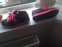 Side walk sport size 3 skates shoes