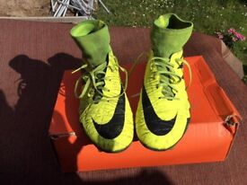 NIKE HYPERVENOM SOCK BOOTS / SIZE 7 / FIRM GROUND / USED