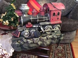Im selling an antque electric wanter fantaine train