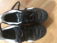 Kids football/rugby boots