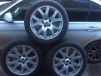Land Rover alloy wheels and tyres