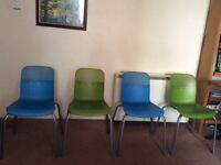Set of 4 Stackable Chairs