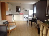 2 bed flat (furnished) - Bowker Vale/ Prestwich close to metrolink
