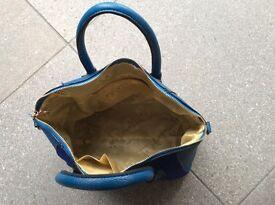 Blue PU unbuckle leather handbag