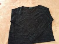 Loose black and grey sweater M