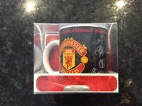 Signed Manchester United mug boxed