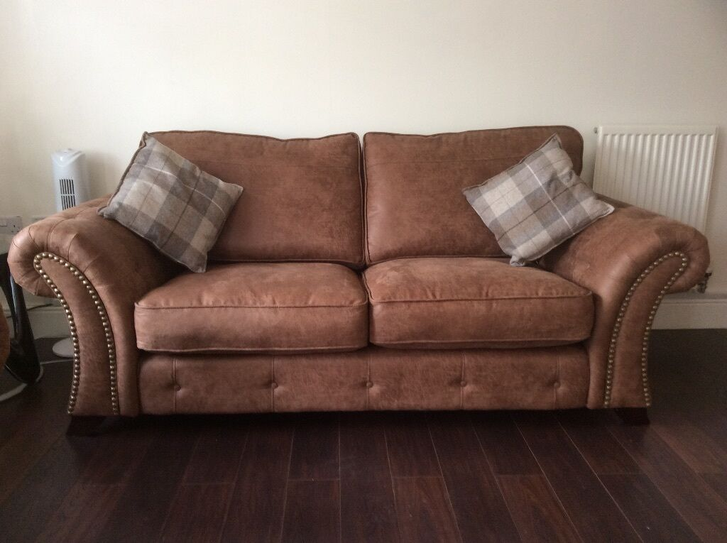 Must Sell Further Reduced A Dfs Oakland 2 Seater Sofa
