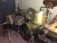 Drum kit - 5 piece