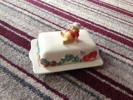 COLLECTORS WINNIE THE POOH BUTTER/CHEESE DISH (NEW)