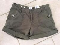 Ladies H&M Khaki Casual Shorts With Turn Up, Size EUR 36