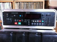 Denon DN-M2000R Professional MiniDIsc Recorder/Player & Flight Case