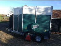 Ivor Williams 505HB double horse trailer takes 2 x 16.2 horses