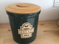 Ceramic bread bin bottle green with wooden lid £6