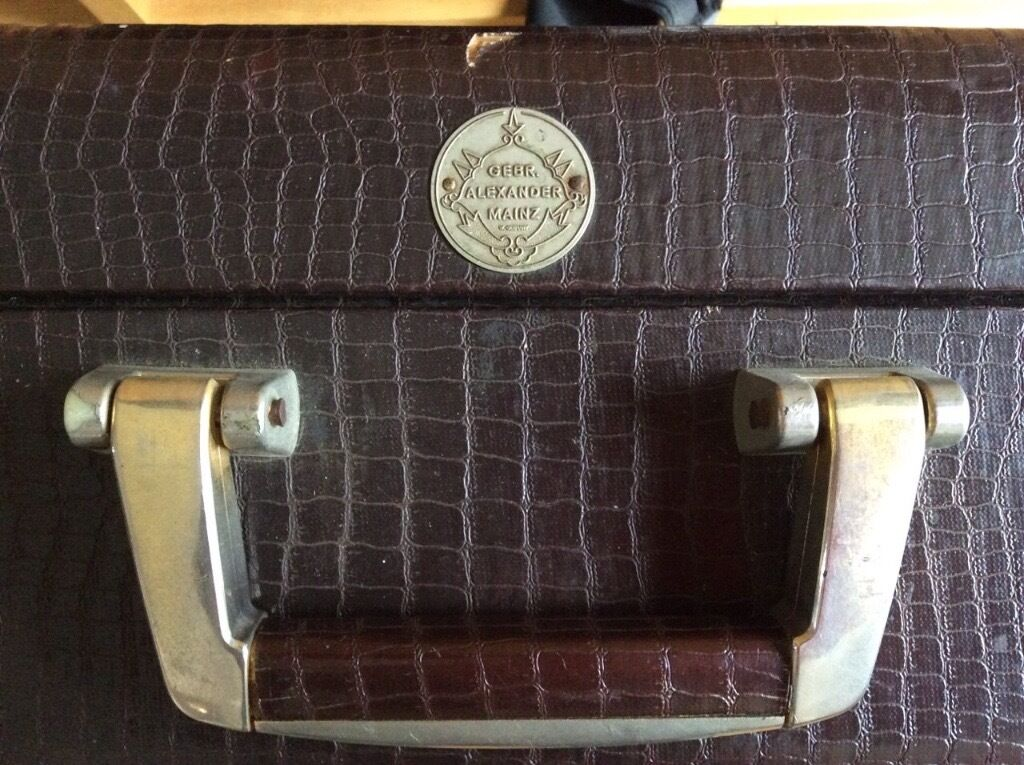 Alexander Mainz french horn case