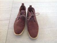 Lee Cooper desert boots men's size 9