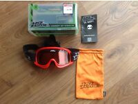 NO FEAR CHILD / SMALL ADULT SKI GOGGLES, RED, GAMMER STYLE, MED TINT, BOXED, INSTRUCTIONS, CARRY BAG