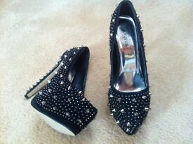 STUNNING Ladies Black and Silver Studded Dress Shoes (Heels Stilettos UK Size 6) S