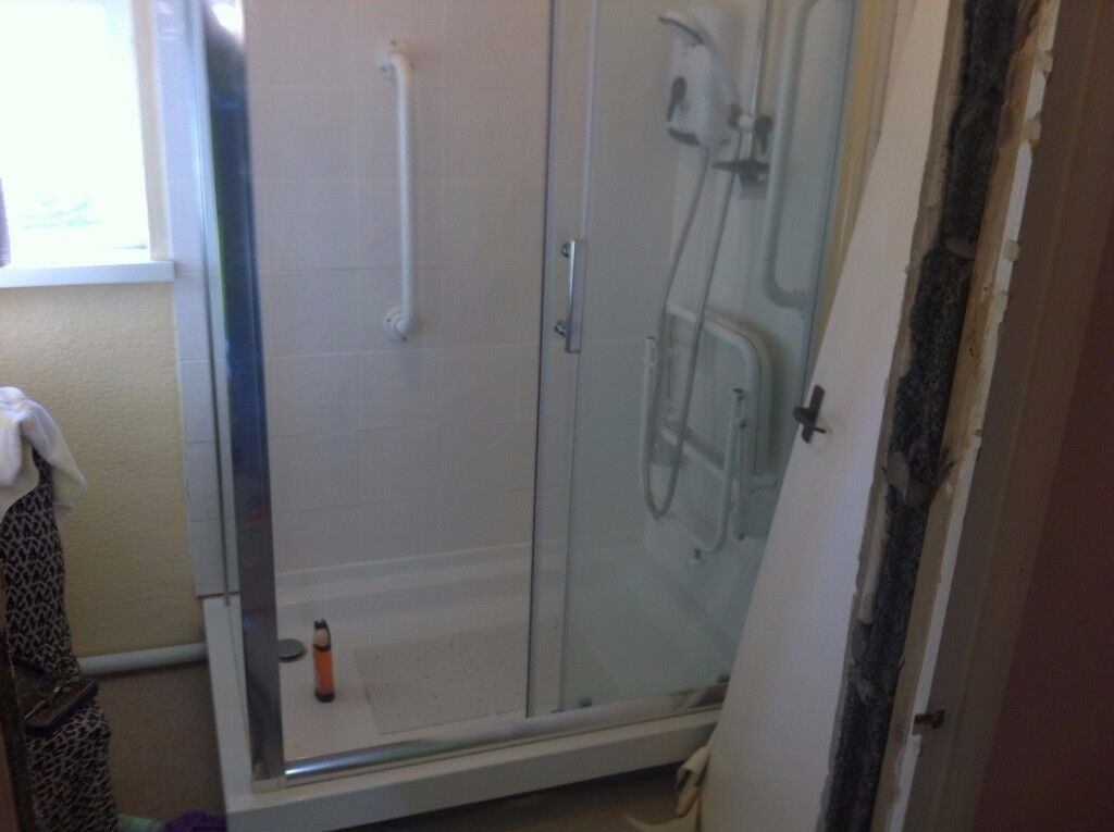 enclosure walking shower disability shower with seat | in Pontnewydd ...