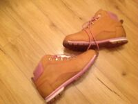 Ladies size 6 Timberland boots