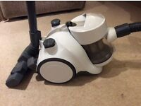 Tesco VCBL 15 Bagless Vacuum Cleaner