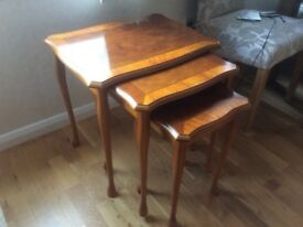 Nest of 3 yew tables
