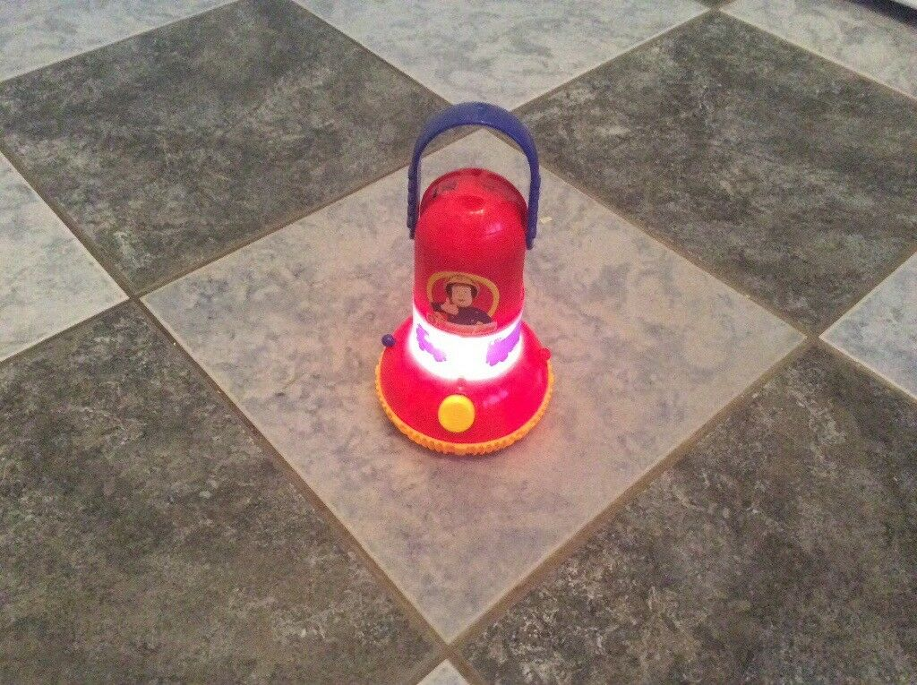Fireman Sam torch / lantern with vehicle silhouette maker age 3+