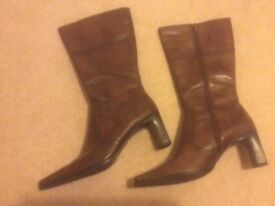 Ladies Tan Leather Boots Size 7.5/8