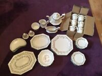 Eternal Beau Dinner Set 1980s New, boxed and unused