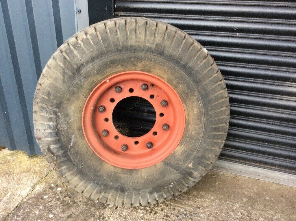 Tyre and wheel ex WD 10.50-16