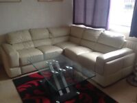 Very sturdy Glass coffee tables in excellent condition