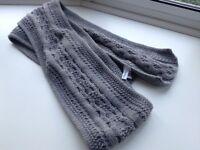 Genuine Calvin Klein grey scarf £7.50 tel 07966921804