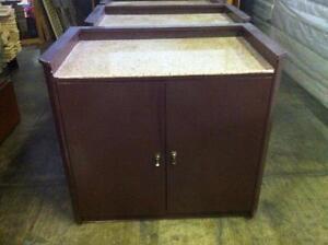Commodes et armoires dans trois rivi res meubles for Liquidation meuble hotel