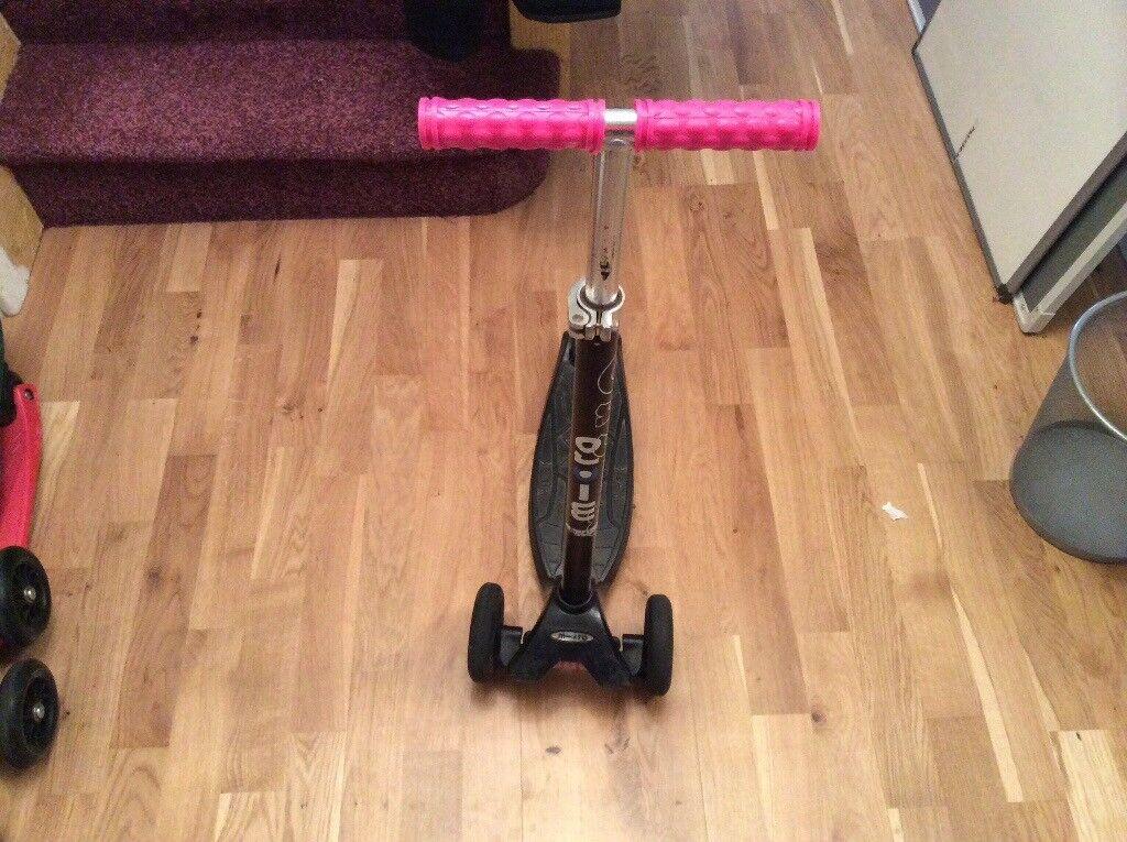 Black micro maxi scooter