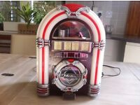 Mini retro looking Jukebox Cd Player & Radio £40