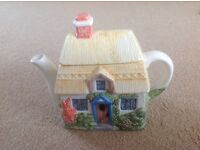 Summer cottage Tea pot