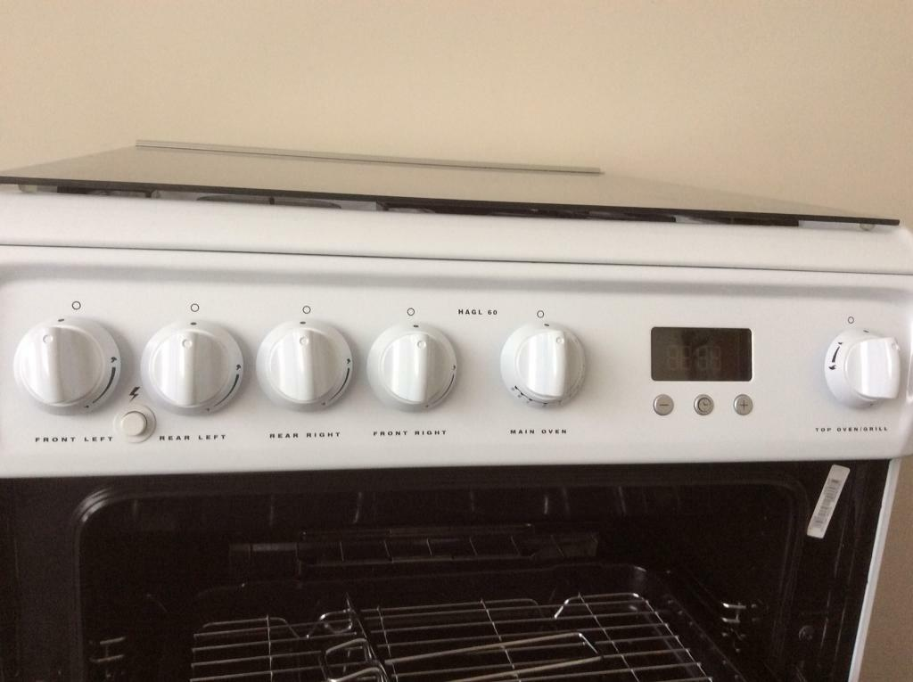 Hotpoint Double Gas Cooker - Showroom condition