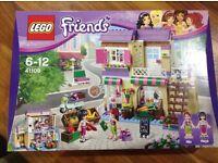 BNIB Heartlake Food Market 41108 Lego Friends (New)