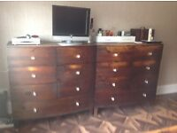 Bedroom furniture - Kingsize bed with 2 sets of bedside tables plus 2 chests drawers