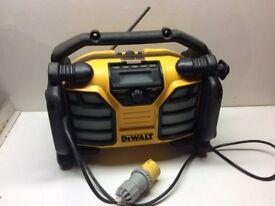 DEWALT DCR017 Digital DAB Jobsite Radio with USB slot