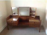 RETRO MODERN DRESSING TABLE