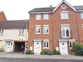 Double Rooms / Fully Furnished House To Let - Walking Distance to Hospital - Bright & Modern