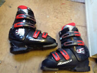 Nordica ski boots approx size adult 8 collection from kirkintilloch also selling other ski items
