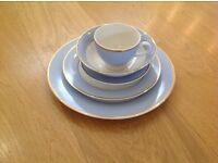 20 piece dinner tea set. Immaculate