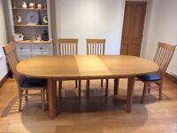Laura Ashley 'Garrat' extending oval oak dining table
