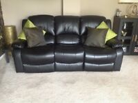 3 seater settle with recliner ends