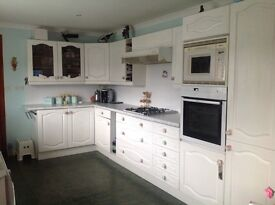 Kitchen for sale, hob, sink and microwave included in the price.